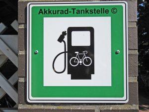 Akkurad Tankstellenschild
